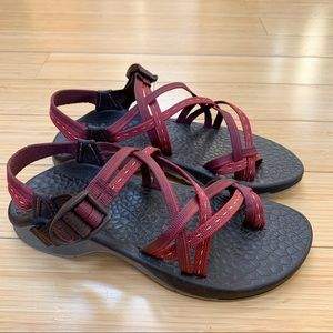 CHACO ZX/2 red purple strap sandals, women's 7.
